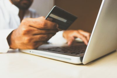 Survei Perilaku Konsumen E-Commerce Indonesia