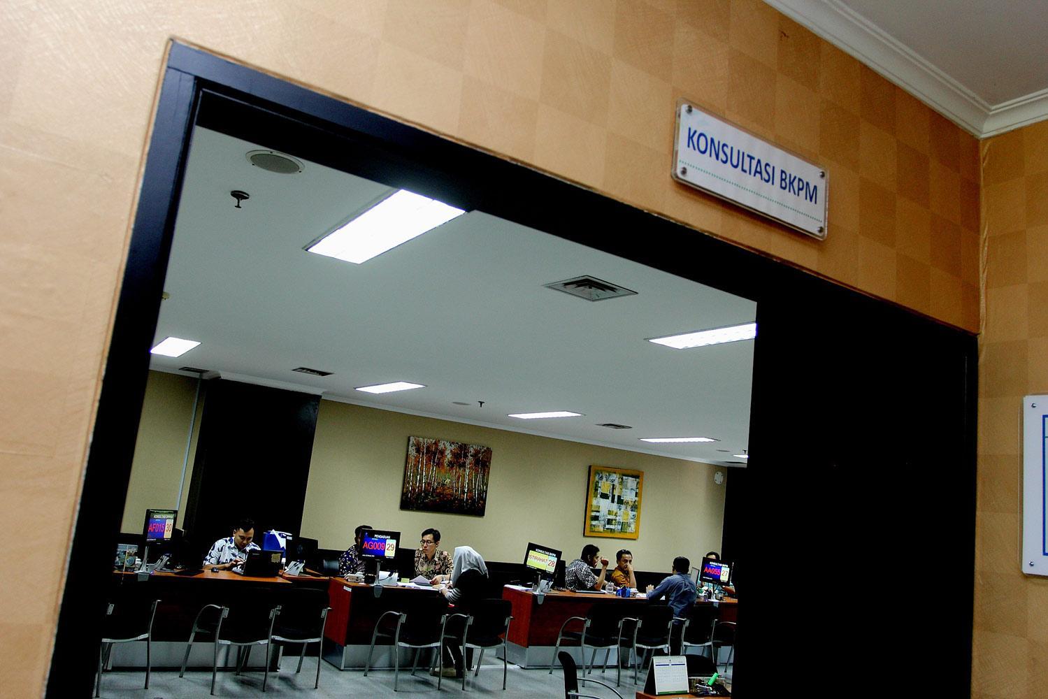 Aktifitas periijinan investasi BKPM di Jakarta, Jumat, (09/10).