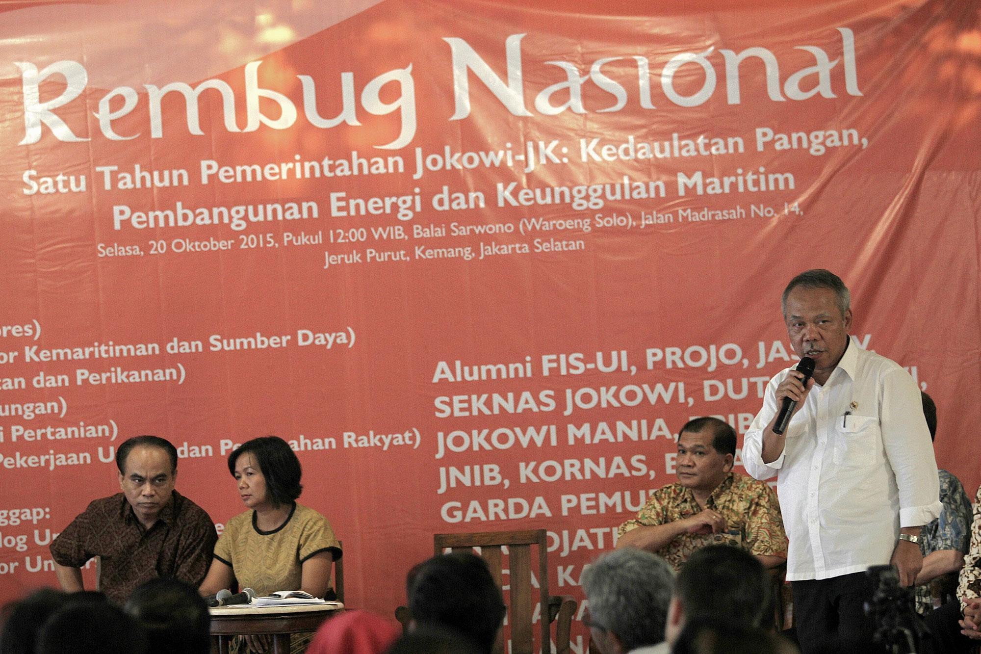 Menteri PUPR, Basuki Hadimoeljono saat presentasikan kinerja kementerian pada acara Rembuk Nasional Satu Tahun Pemerintahan Jokowi di Jakarta