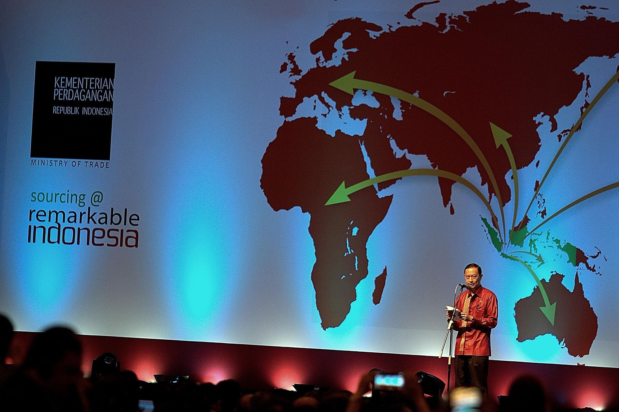 Menteri Perdagangan Thomas Lembong saat pembukaan pameran Trade Expo Indonesia ke-30 Tahun 2015 di Arena Pekan Raya Jakarta, Kemayoran, Jakarta, Rabu (21/10).
