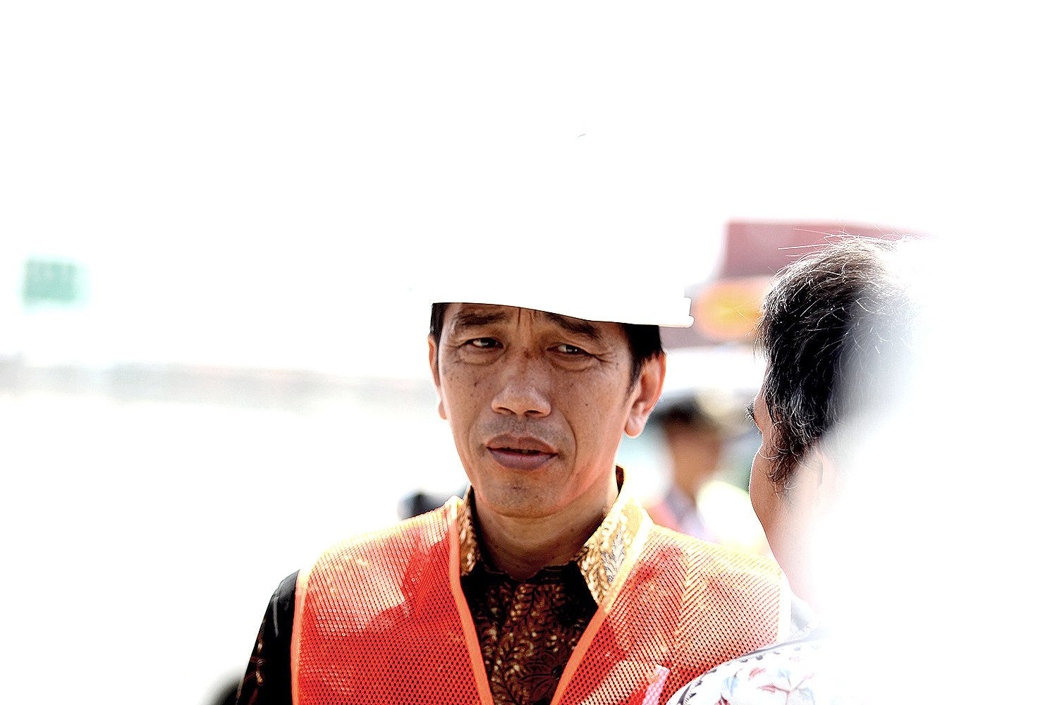 Presiden Joko Widodo meminta Pelindo II segera merampungkan pembangunan Terminal Petikemas Kalibaru.