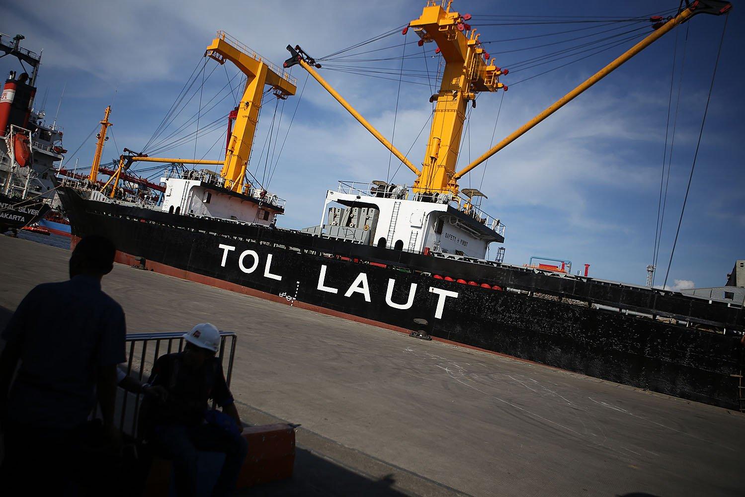 Kapal logistik ini merupakan bagian dari program tol laut yang dicanangkan Presiden Joko Widodo sejak masa awal pemerintahannya.