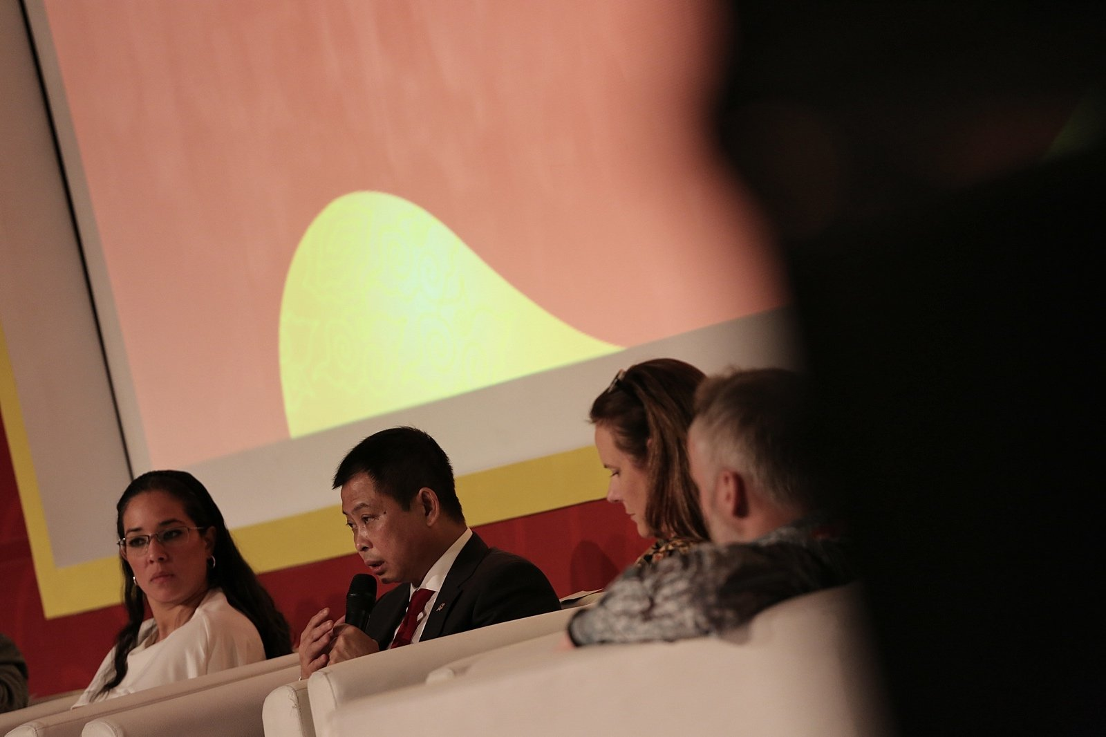 Sesi diskusi konvensi IPA Convex 2017 bersama Menteri ESDM Ignasius Jonan di Jakarta, Rabu (17/5).