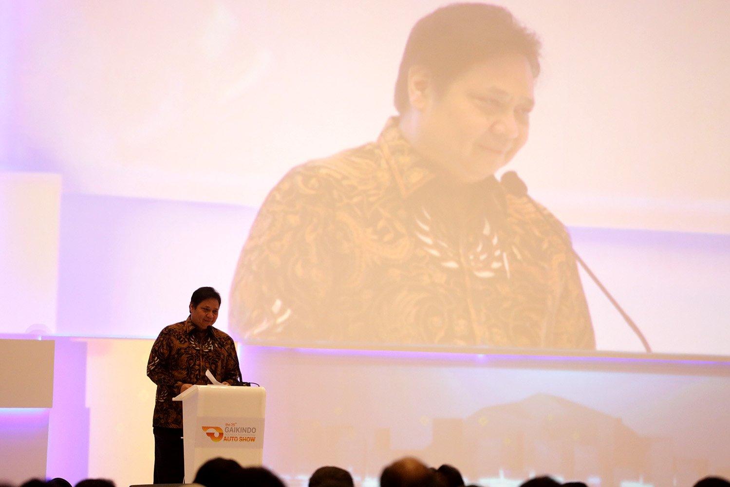 Menteri Perindustian, Airlangga Hartanto, memberikan sambutan pada acara GIIAS 2017, di Tangerang, Banten, Kamis, (10/08)