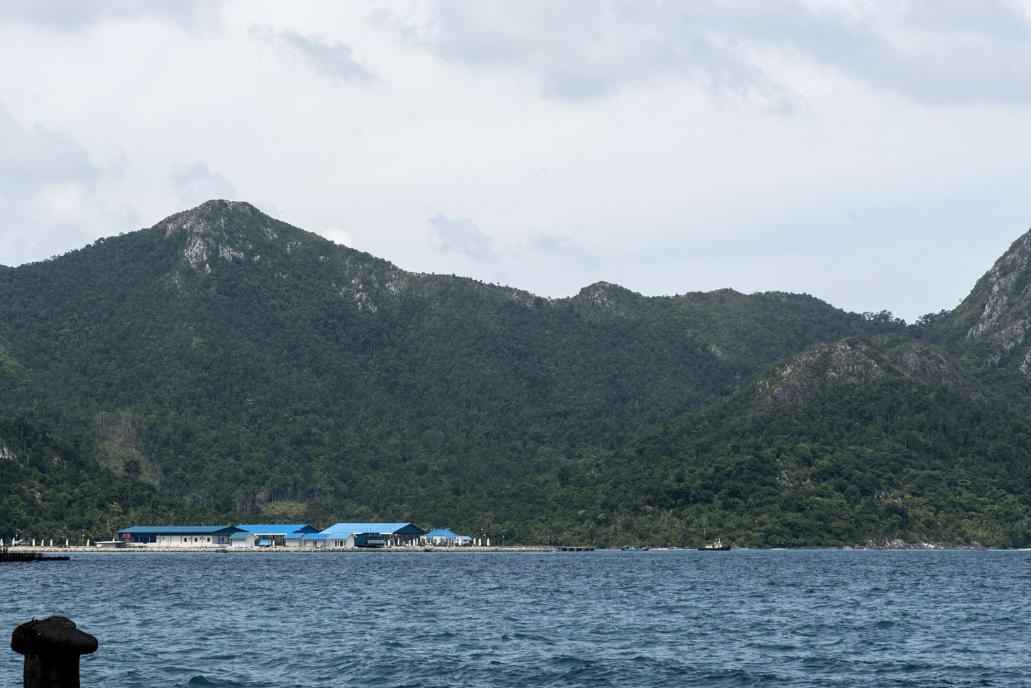 Cold Storage Unit Pengolahan Ikan Perum Perindo, Selat Lampa, Kabupaten Natuna, Kepulauan Riau, Kamis (3/8).