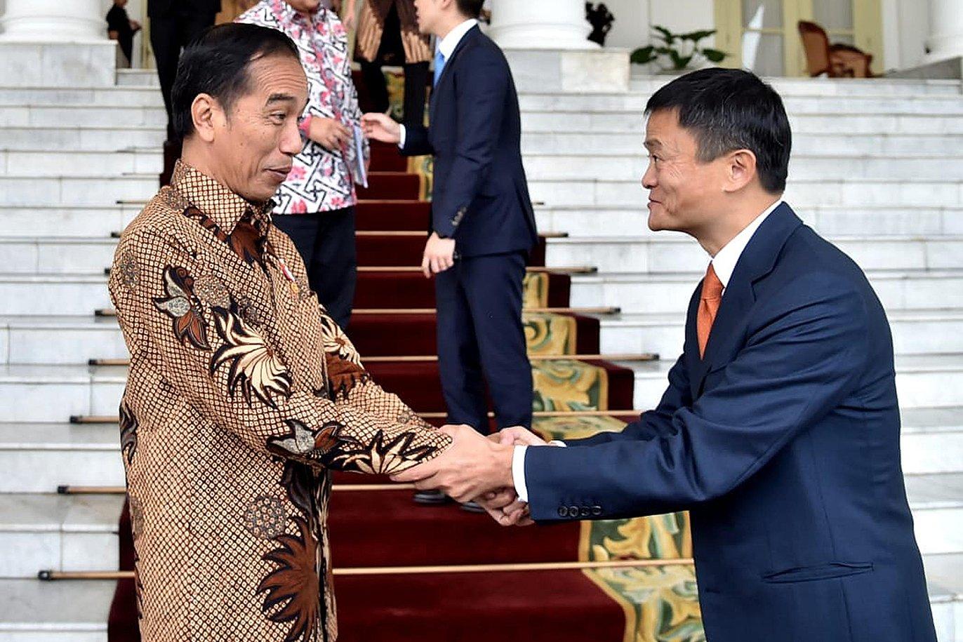 """Menteri Komunikasi dan Informatika Rudiantara menjelaskan, Jack Ma dan Jokowi tidak sekadar membahas masalah bisnis. """"Bagi Jack Ma pribadi, bisnis bukan lagi ukuran nomor satu di Indonesia,"""" kata Rudiantara"""