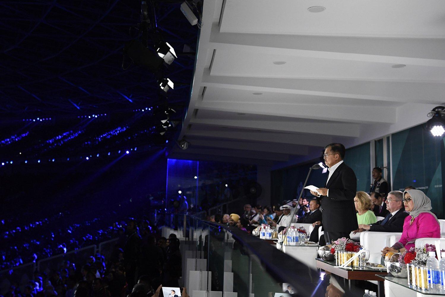 Wakil Presiden Jusuf Kalla memberikan sambutan pada Upacara Penutupan Asian Games ke 18 Tahun 2018 di Stadion Utama Gelora Bung Karno (GBK), Senayan, Jakarta, Minggu (2/9).