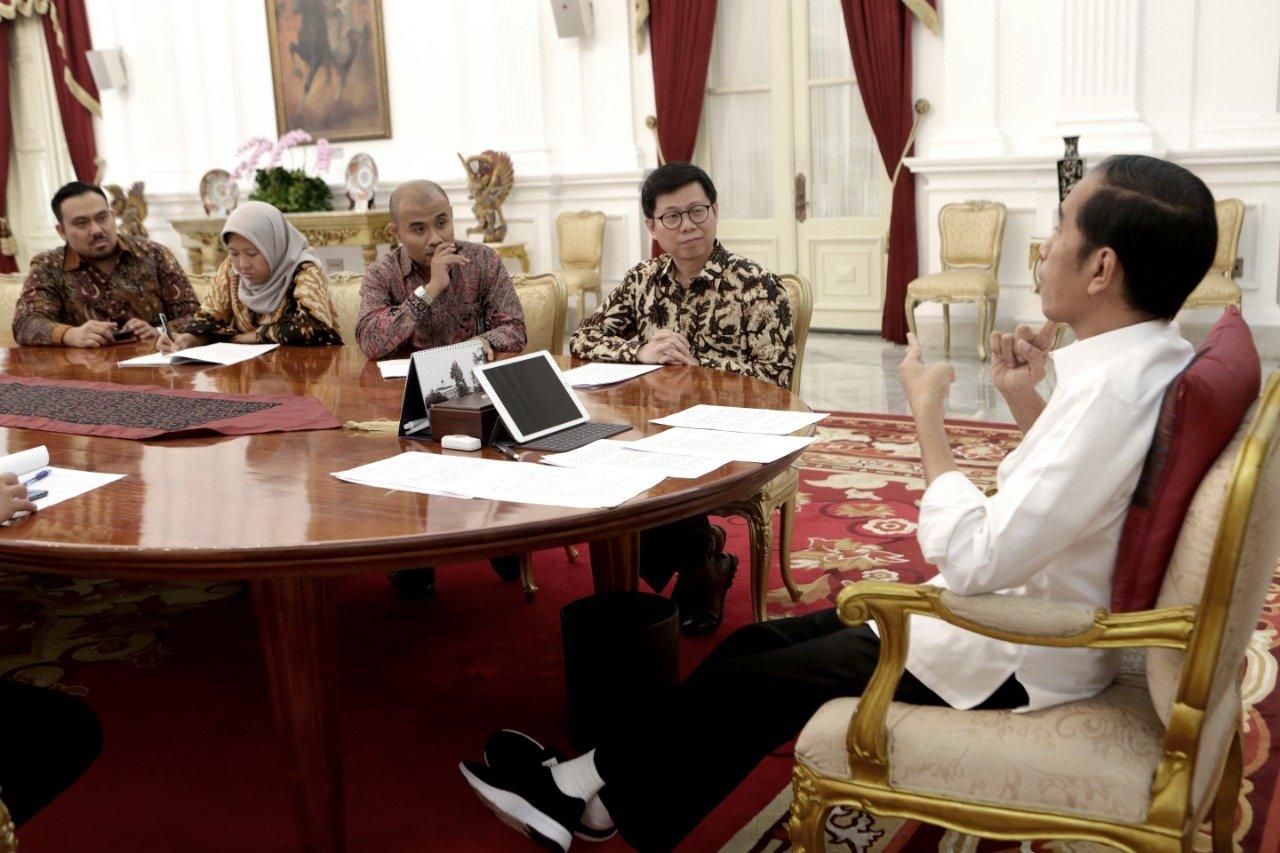 Tim Redaksi Katadata saat mewawancarai Presiden RI Joko Widodo, Senin (27/5/2019).