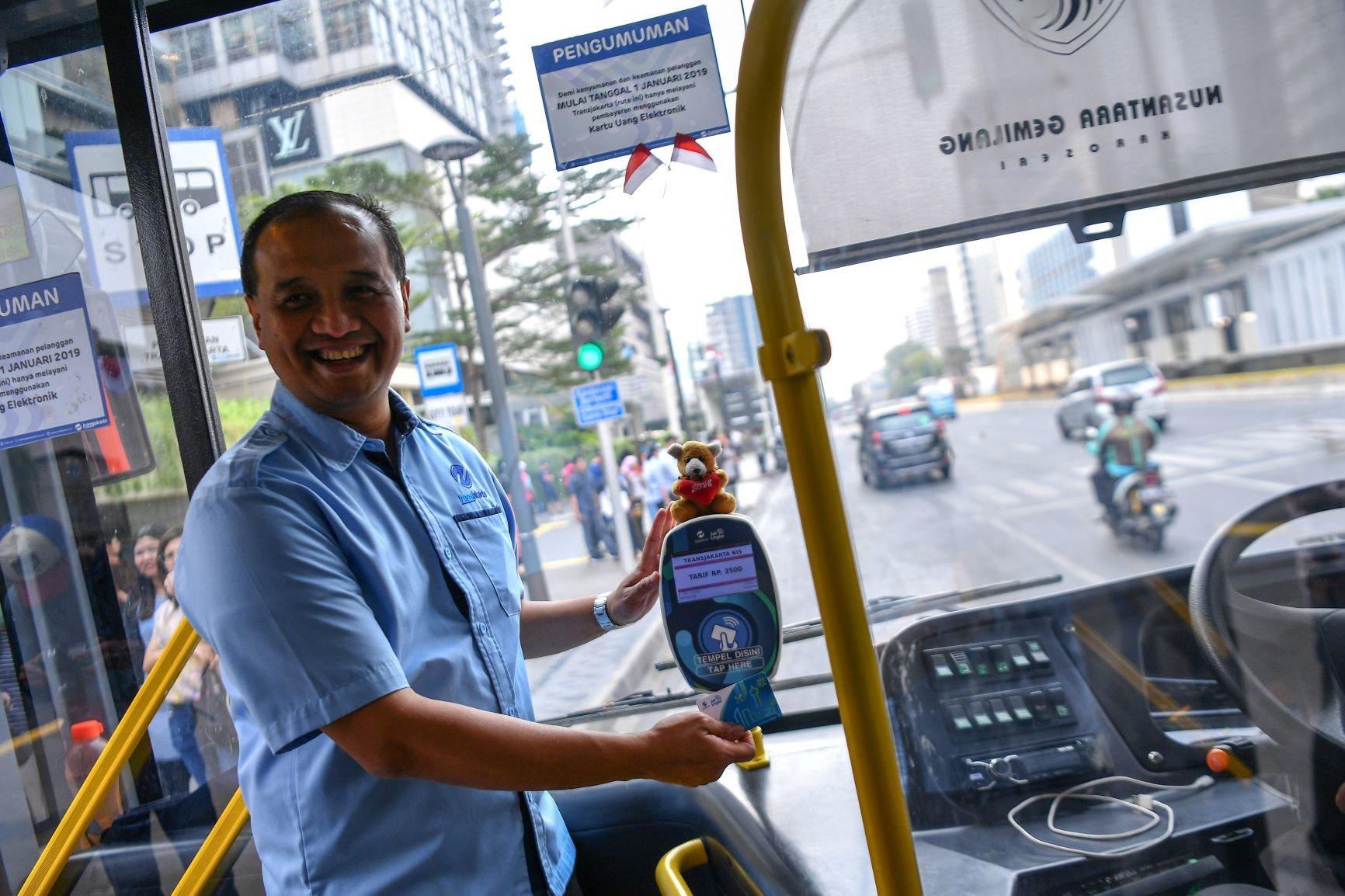Sosialisasi Pembayaran Tap on Bus