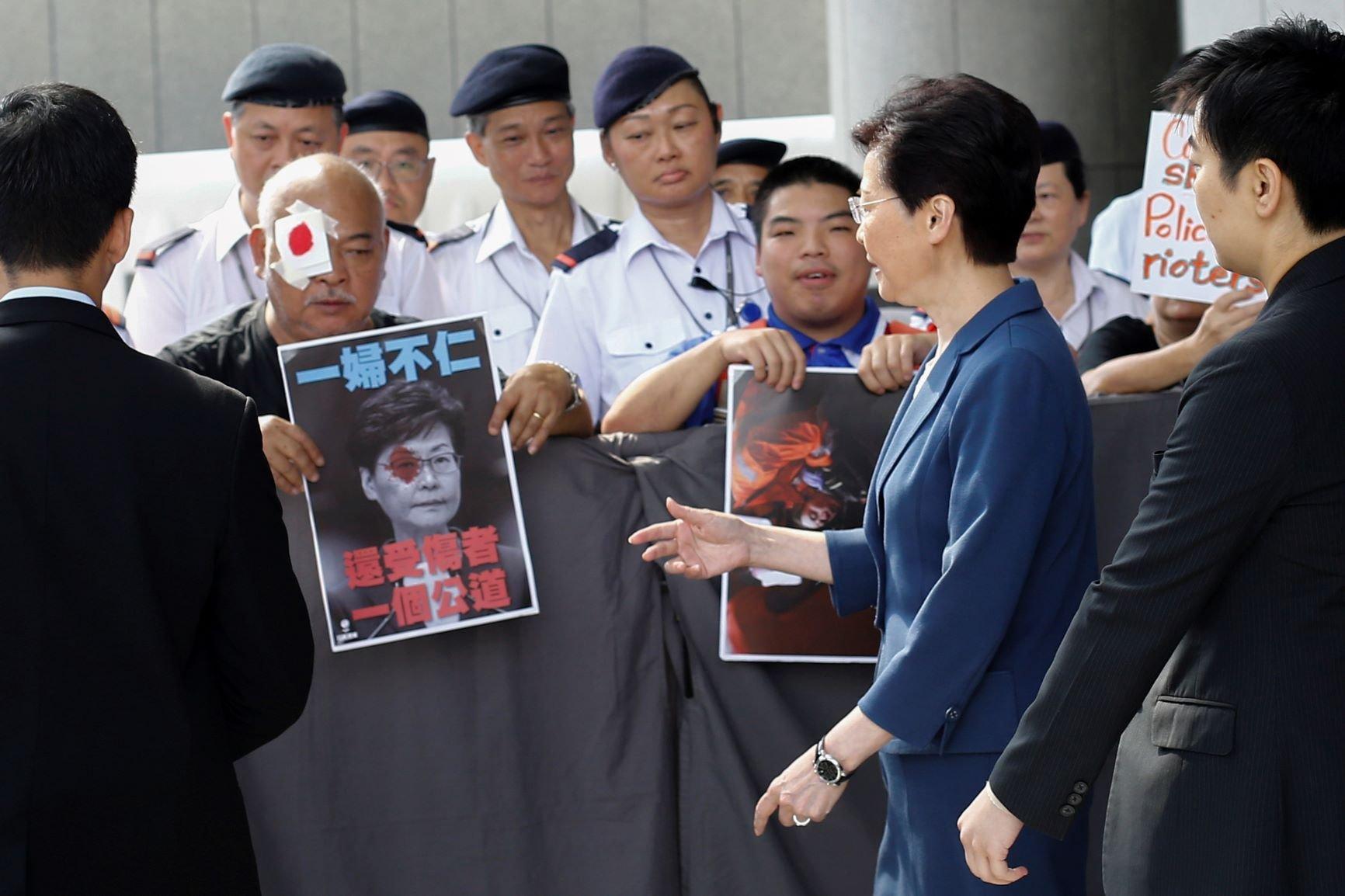 Kepala Eksekutif Hong Kong Temui Pengunjuk Rasa