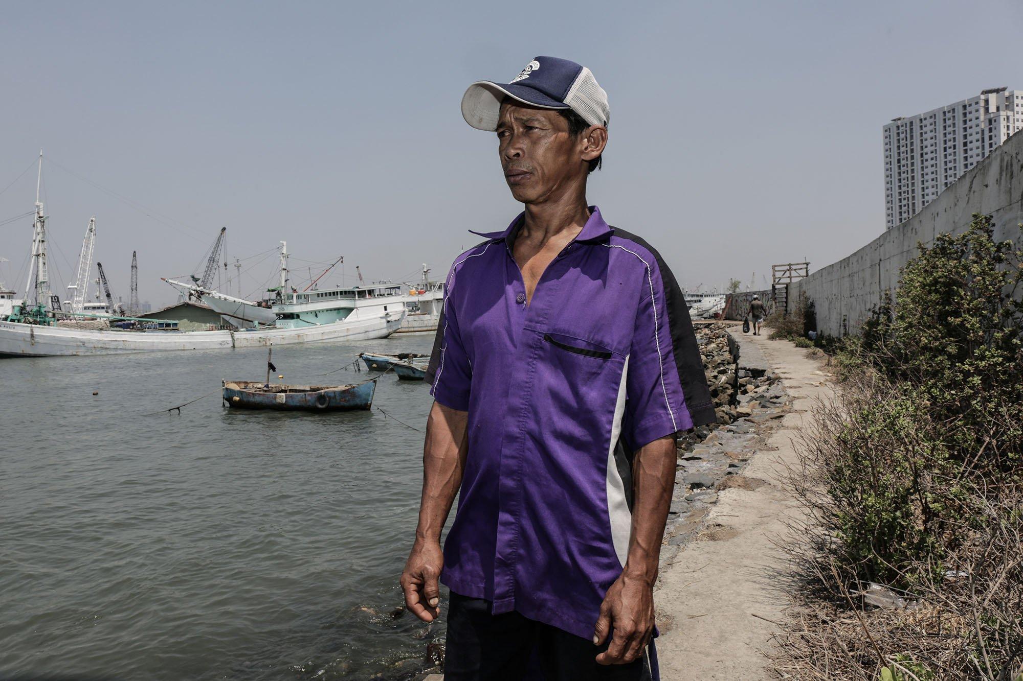 Wahyu (48) seorang nelayan di Kampung Muara Baru, Jakarta Utara (11/9).