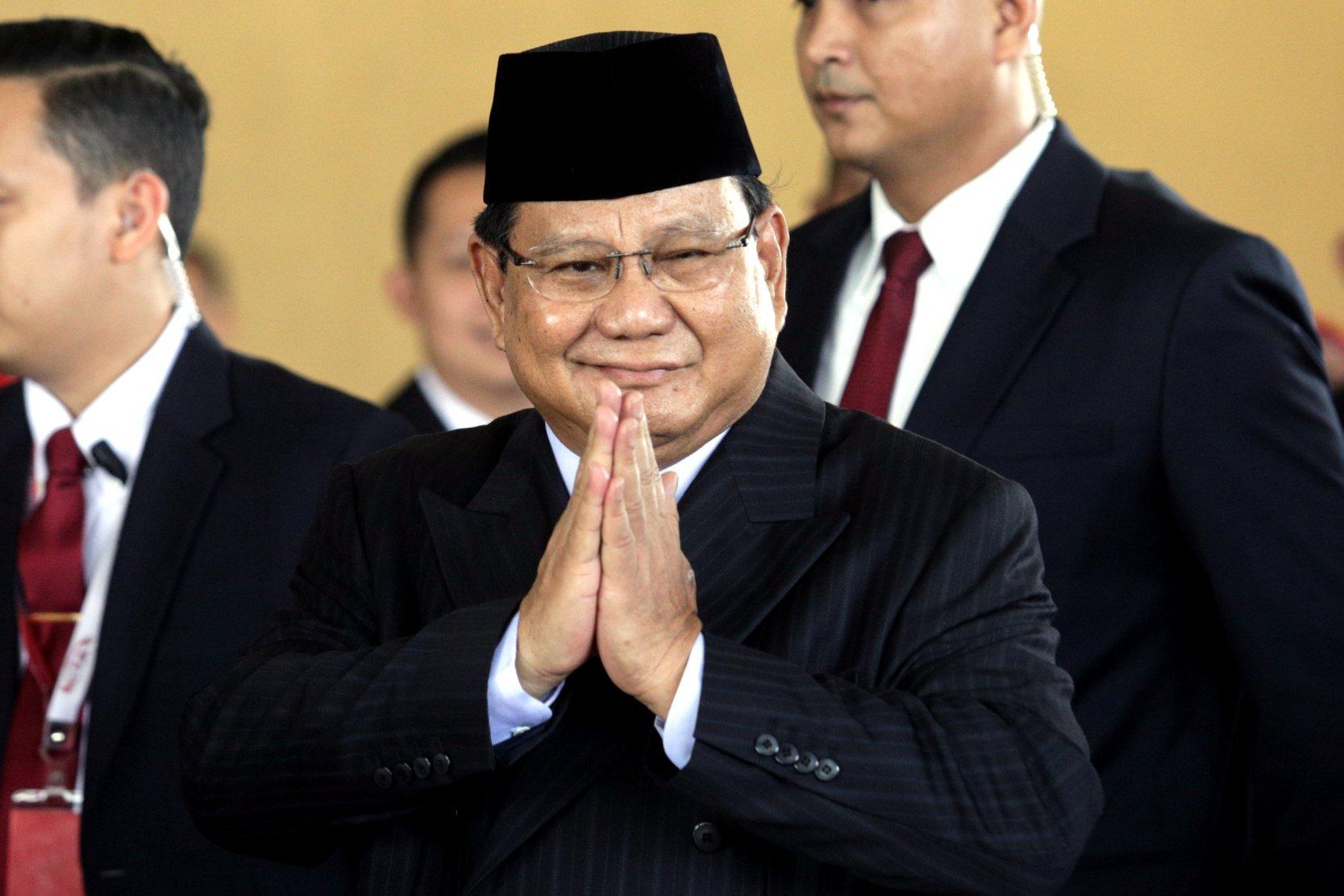 Ketua Umum Partai Gerindra Prabowo Subianto tiba di lokasi upacara pelantikan Presiden Joko Widodo dan Wakil Presiden Ma\'ruf Amin di Gedung Nusantara, kompleks Parlemen, Senayan, Jakarta, Minggu (20/10/2019).