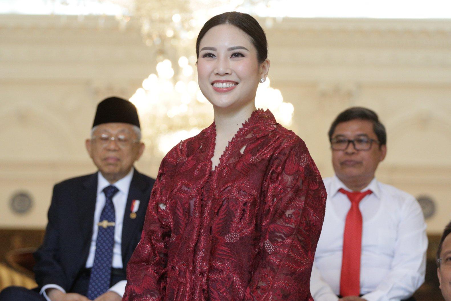 Wakil Menteri Pariwisata - Bekraf, Angela Tanoesudibjo di Istana Merdeka, Jakarta Pusat (25/10/2019). Angela, wamen termuda yang berusia 32 tahun, memiliki pengalaman mengelola dan memimpin perusahaan media jaringan Grup MNC, milih ayahnya Hary Tanoesudibjo.