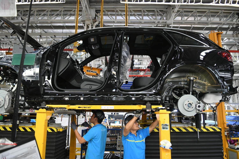 New GLC merupakan versi penyegaran dari versi sebelumnya. Dengan berbagai pembaruan dan penambahan fitur, harga mobil ini hanya mengalami kenaikan sekitar Rp10 juta
