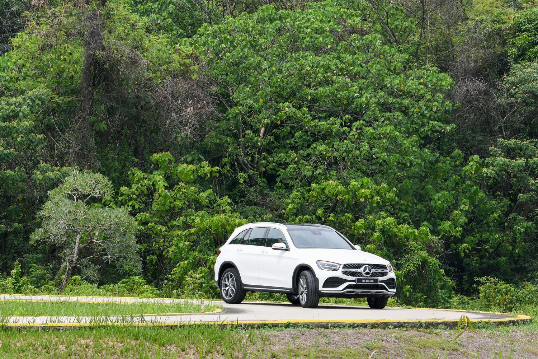 PT Mercedes-Benz Indonesia memperkenalkan dua model sport utility vehicle (SUV) terbarunya, New GLC dan New GLE yang merupakan rakitan lokal dari pabrik di Wanaherang, Bogor, Jawa Barat.