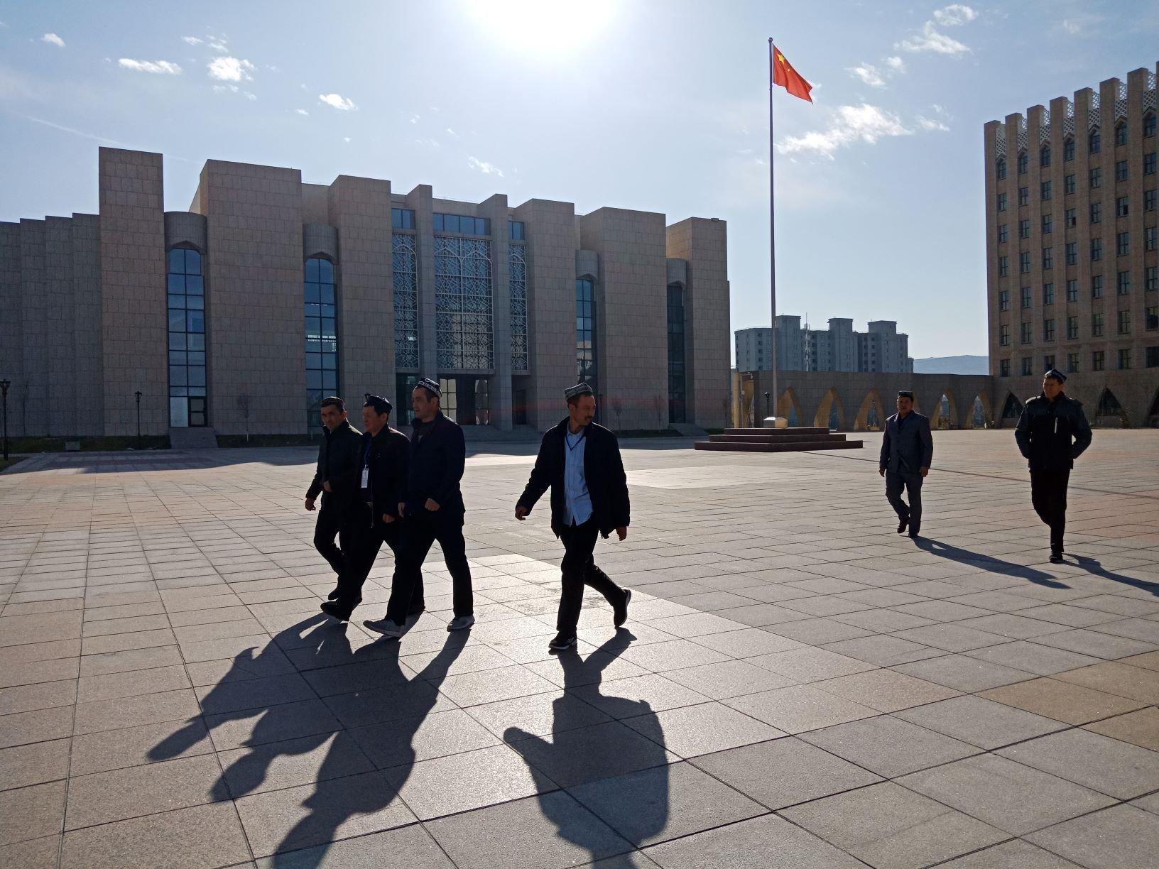Tiongkok, Muslim Uighur, terorisme di Xinjiang, kamp penahanan Muslim Uighur, Xinjiang Islamic Institute, Xi Jinping