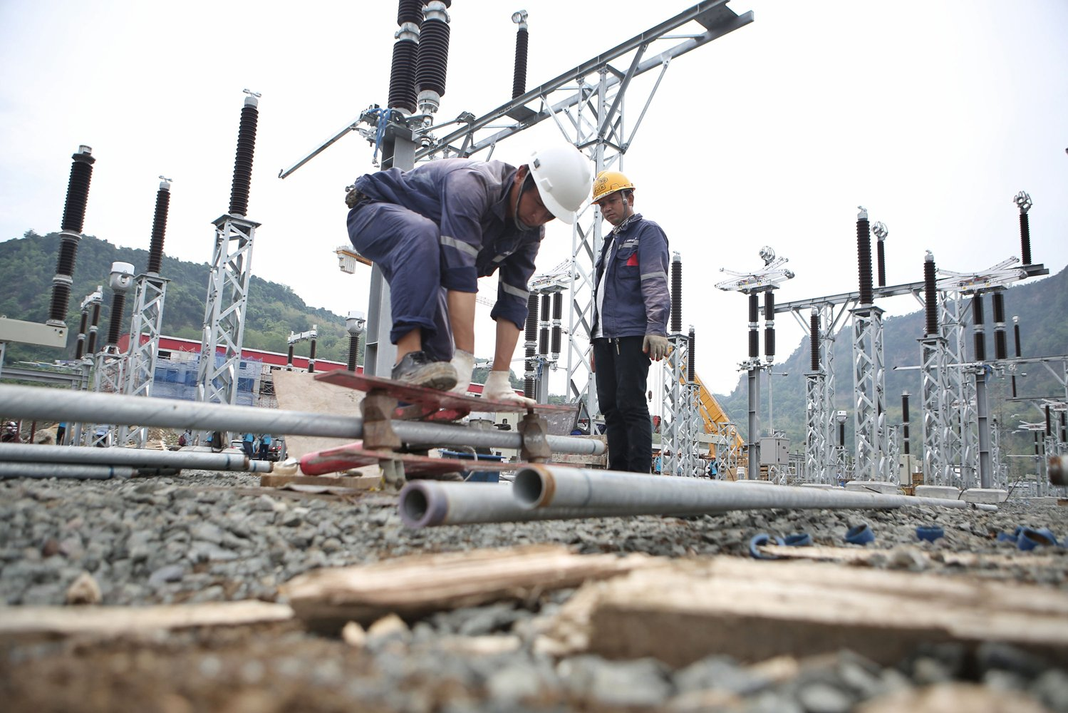 Proyek PLTA Jatigede 2 x 55 megawatt (MW) ini dapat mendukung upaya pemerintah mencapai rasio elektrifikasi100% pada tahun 2020.