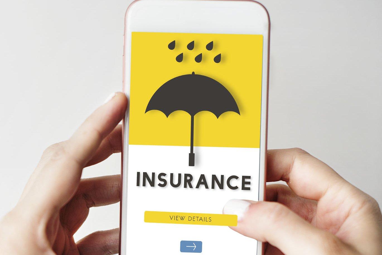 Telaah - Bisnis asuransi Gojek vs Grab