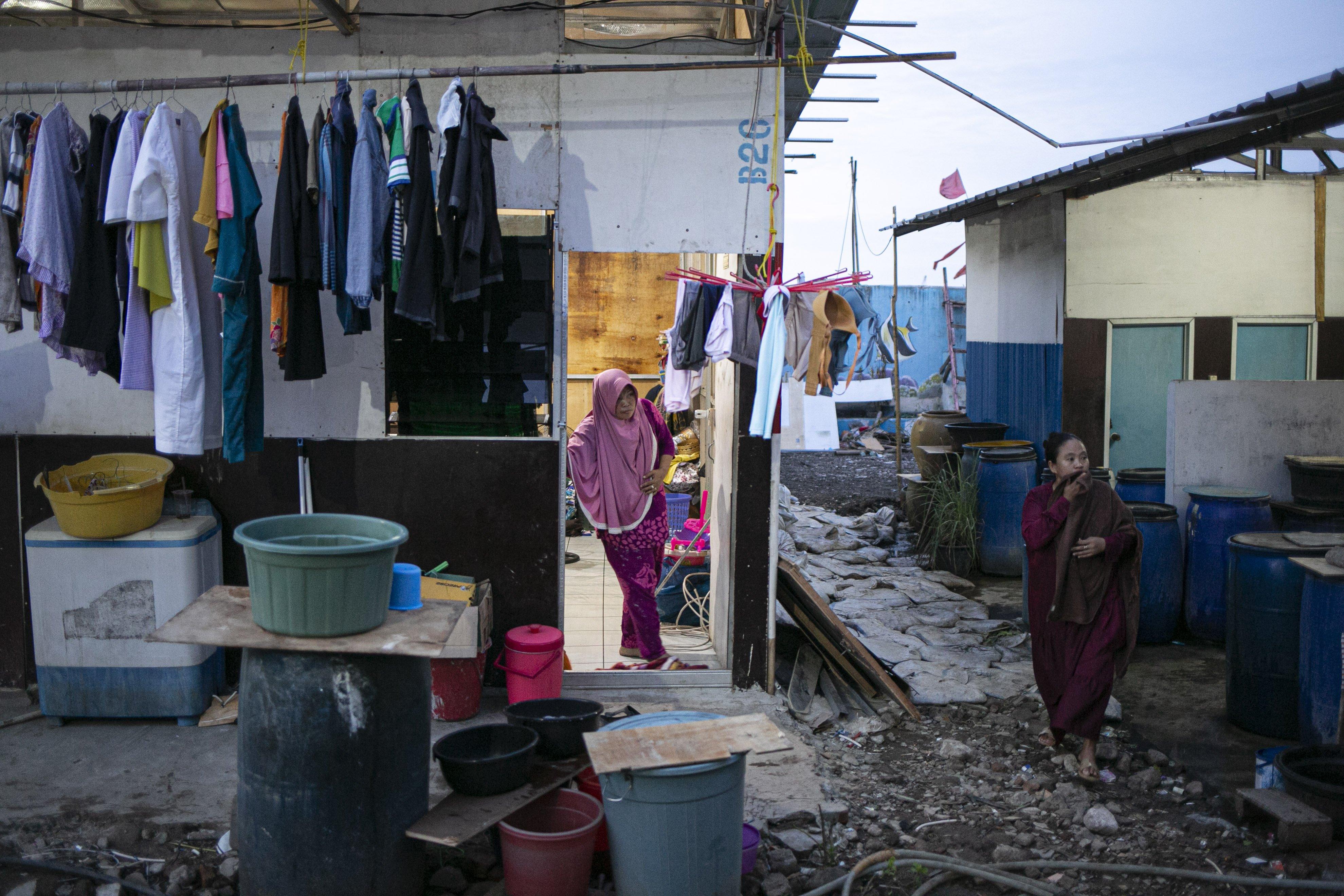 Menurut Sarjoko, rencana penataan kembali Kampung Akuarium telah melewati diskusi panjang oleh Pemerintah Provinsi DKI Jakarta. Lewat pembahasan itu, pembangunan Kampung Akuarium, kata dia, telah sesuai dengan ketentuan dan aturan yang berlaku sebagai hunian massal di kawasan Cagar Budaya Kota Tua Jakarta.