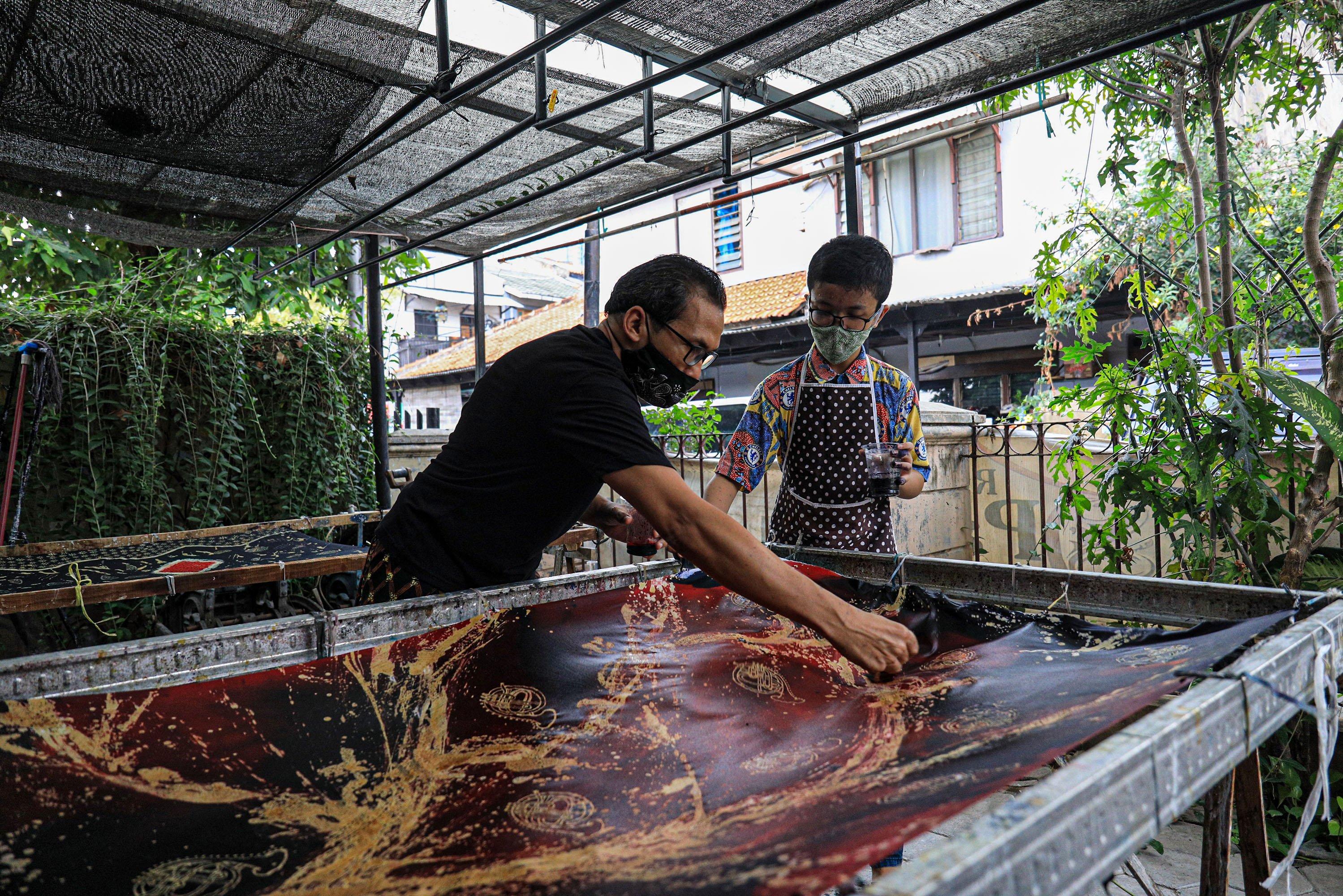 batik, motif batik corona, kampoeng batik laweyan, wisata batik, pandemi corona, batik toeli laweyan