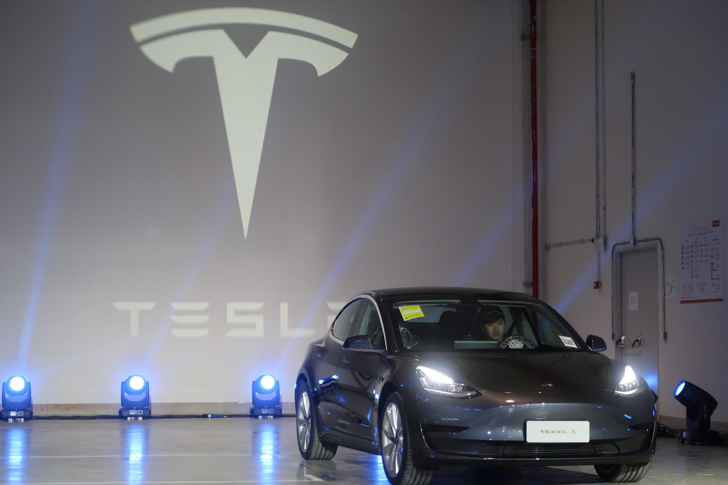 TESLA-CHINA/DELIVERY