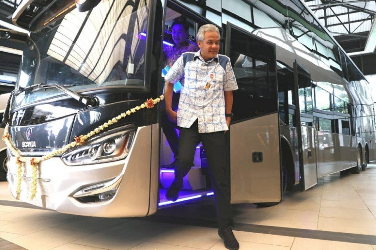 Bus tingkat Legacy SR2 Double Decker