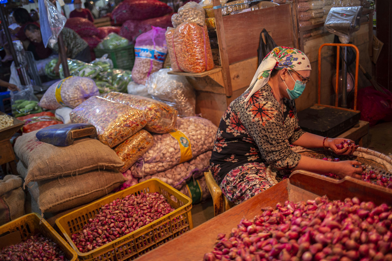 Pasokan Pangan Pasar Induk Kramat Jati Aman