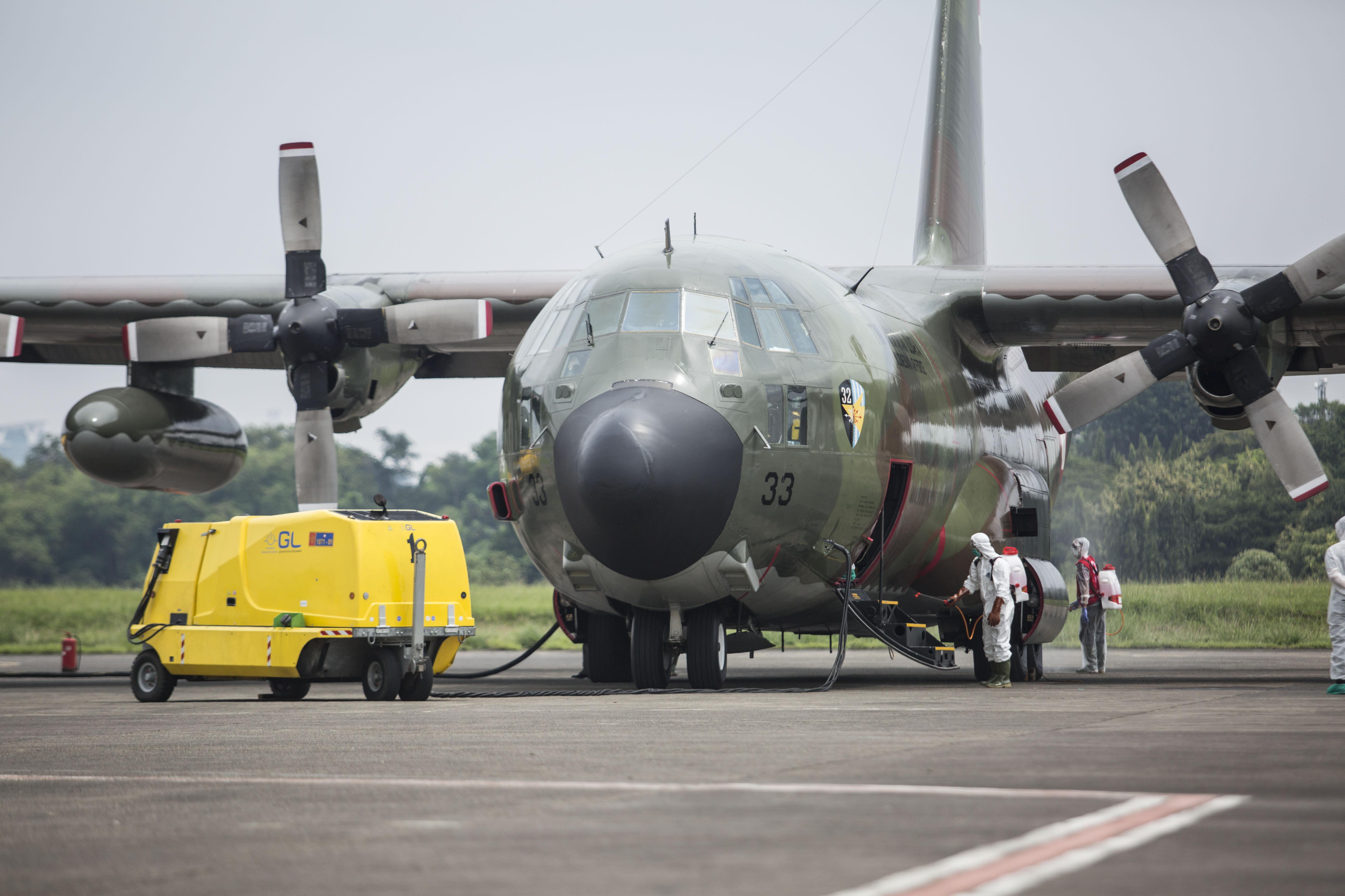 Pesawat Hercules Pembawa Alat Kesehatan Tiba di Halim