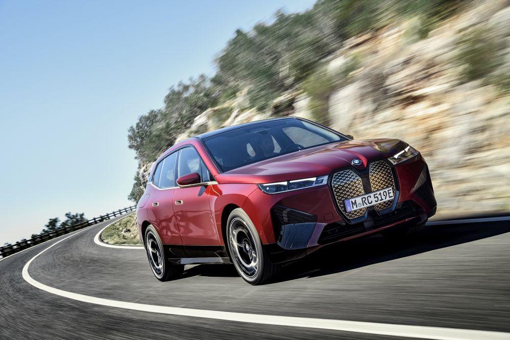 Mobil listrik berjenis SUV, BMW iX yang akan diluncurkan pada 2022.
