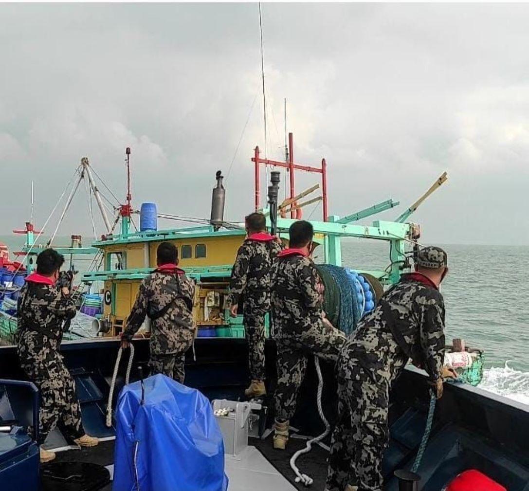 Kapal ikan illegal fishing berbendera Malaysia