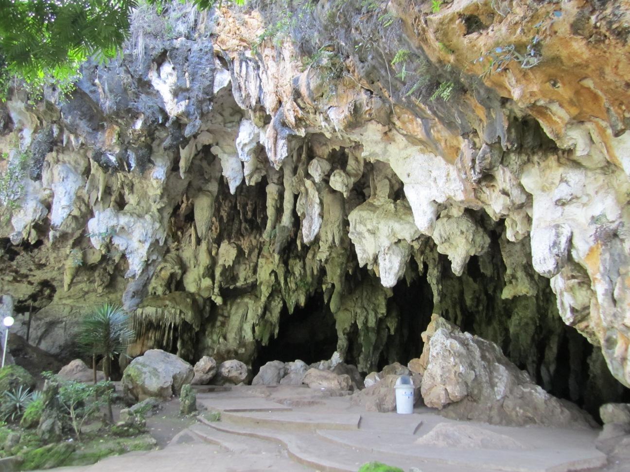 Gua Tabuhan