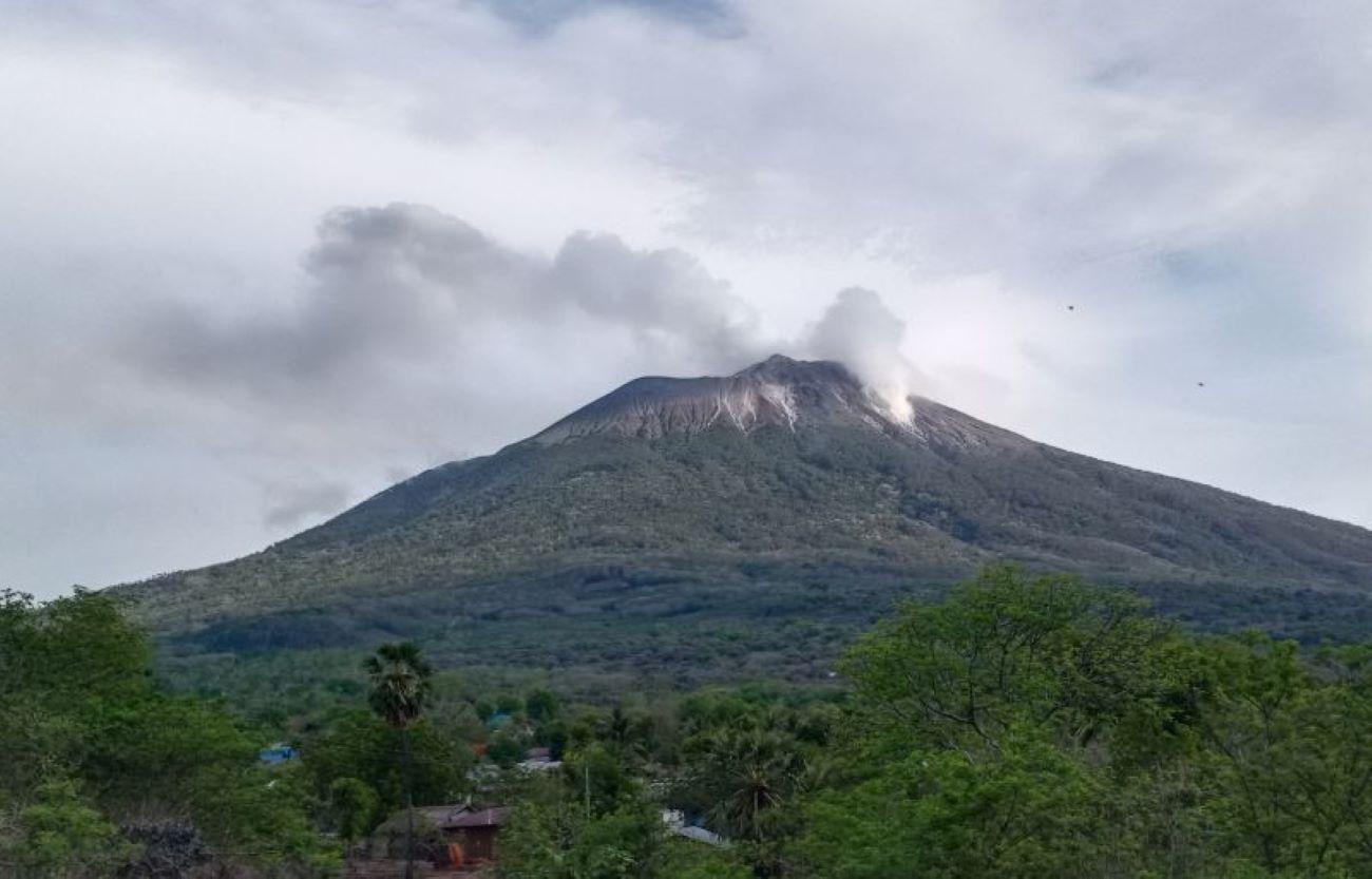 Erupsi gunung Ili Lewotolok