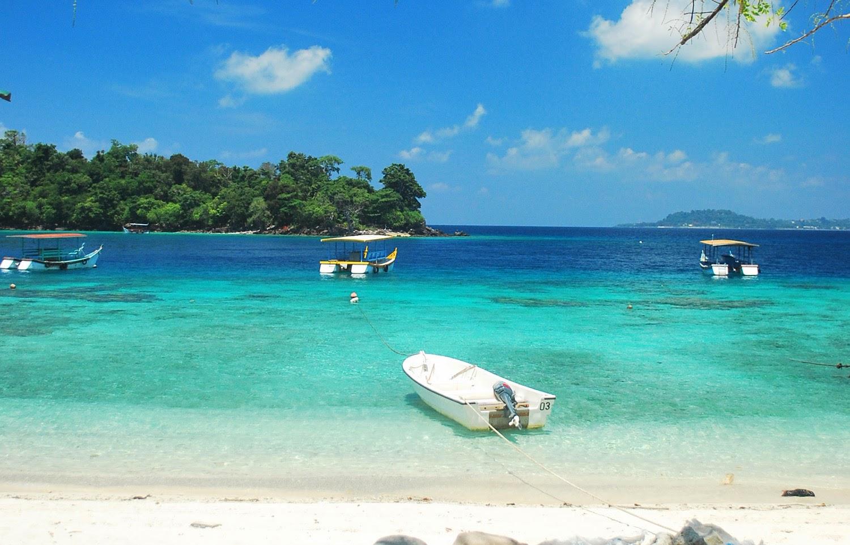 Panorama Pantai Iboih di Kota Sabang