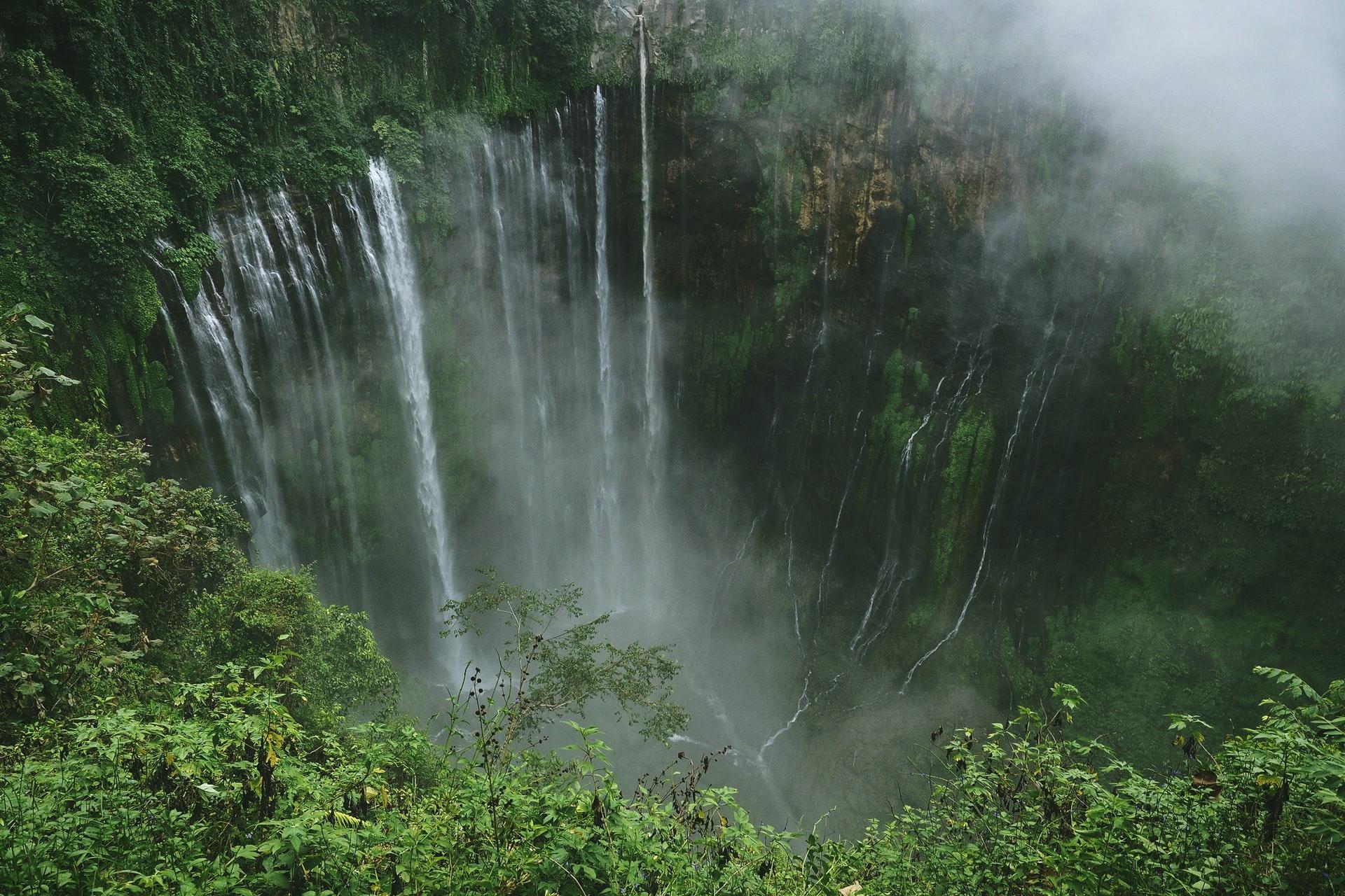Air terjun Tumpak Sewu di Jawa Timur