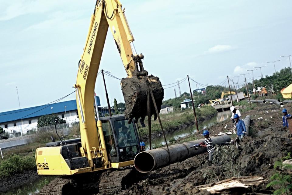pembangunan proyek jaringan pipa Gresem atau Gresik-Semarang hampir rampung. Perusahaan pun menargetkan aliran gas dari proyek itu ke konsumen dapat dilakukan pada pertengahan 2020.