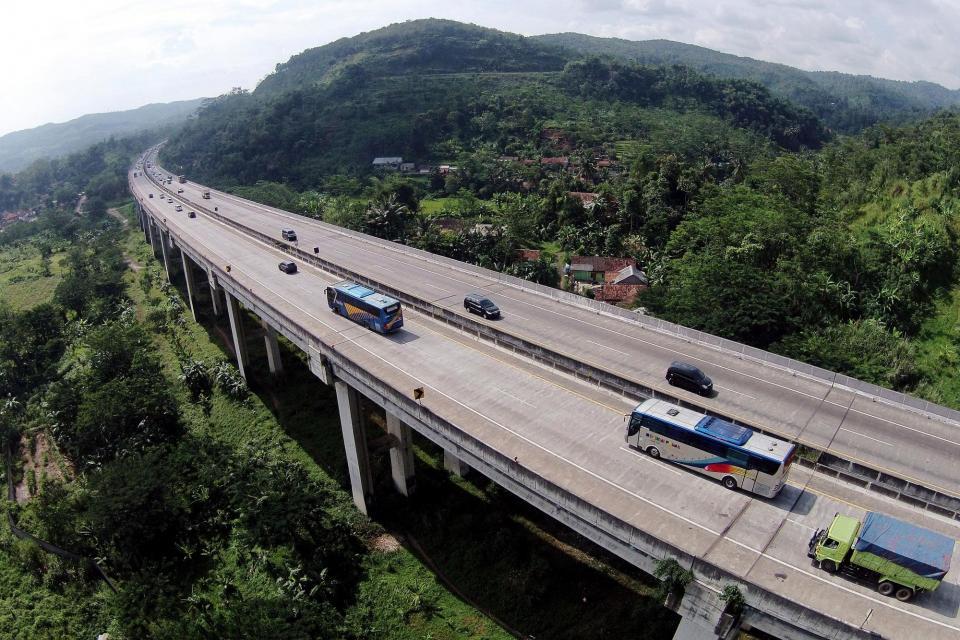 Tol Cipularang Jawa Barat.
