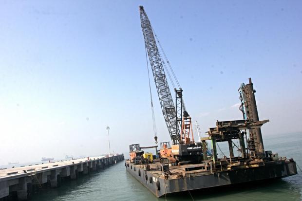Ilustrasi pembangunan pelabuhan