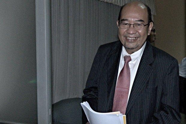 Harry Azhar Azis