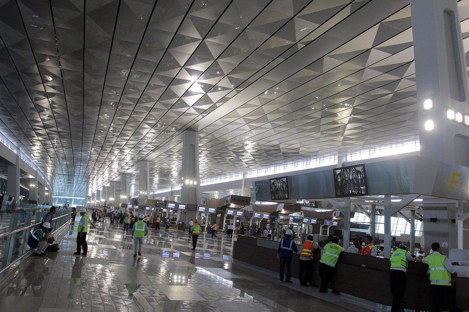 Bandara Soekarno-Hatta, bandara terbaik di dunia versi Skytrax 2020, Menteri Perhubungan Budi Karya Sumadi, Bandara Changi, Bandara Baiyun, Bandara Incheon