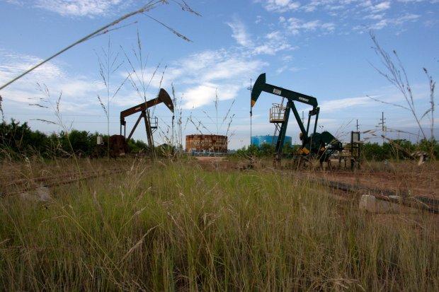 harga minyak, tiongkok, pandemi corona, covid-19, pertumbuhan ekonomi, brent, wti