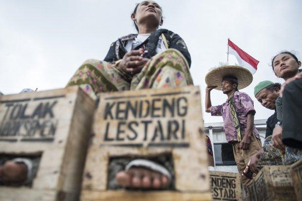 Petani Kendeng, Semen Indonesia, Tambang Semen Kendeng, Erick Thohir