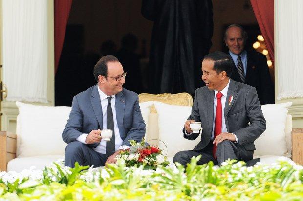 Presiden Jokowi dengan Presiden Perancis Francois Hollande