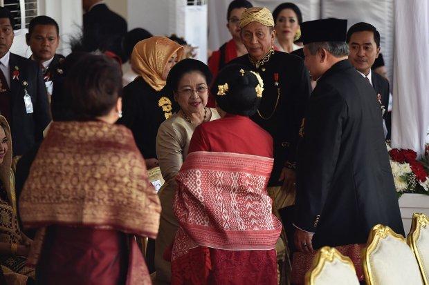 SBY Menyalami Megawati