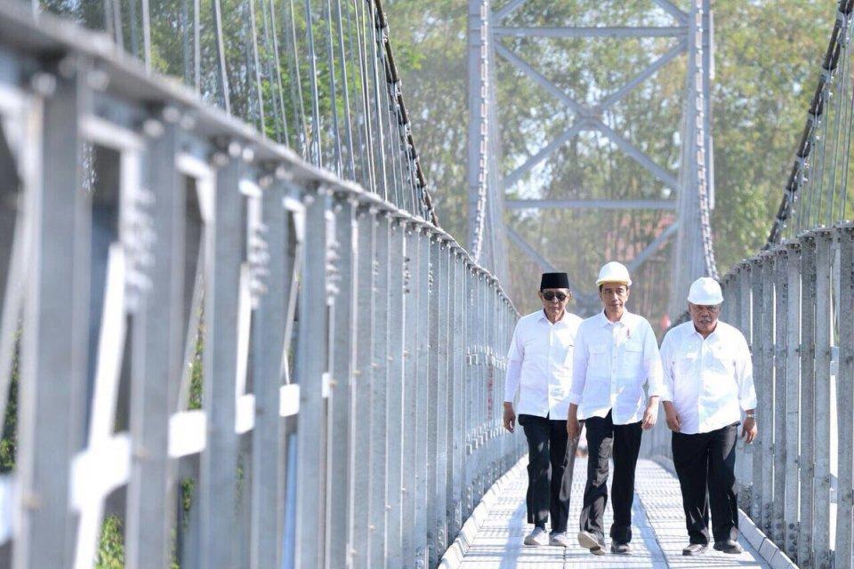 Jembatan Gantung Jokowi