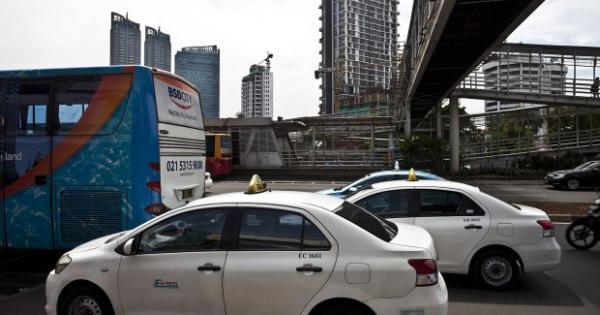 TAXI Restrukturisasi Utang Express Terkendala RUPSLB yang Tidak Kuorum | Katadata News