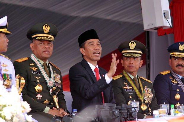 Jokowi HUT TNI ke -72