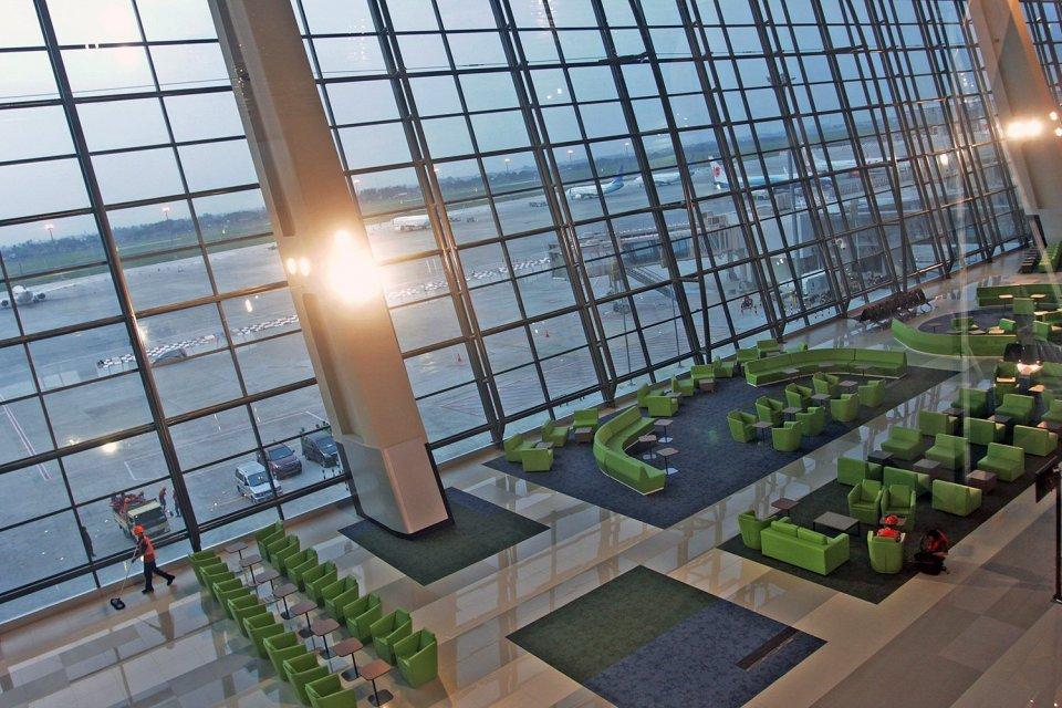 Terminal 3 Ultimate menjadi terminal bandara termegah dan tercanggih di Indonesia, beroperasi pada 20 Juni 2016.