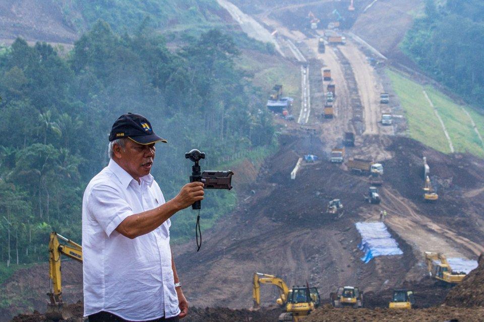 Menteri PUPR di Tol Bawen Salatiga
