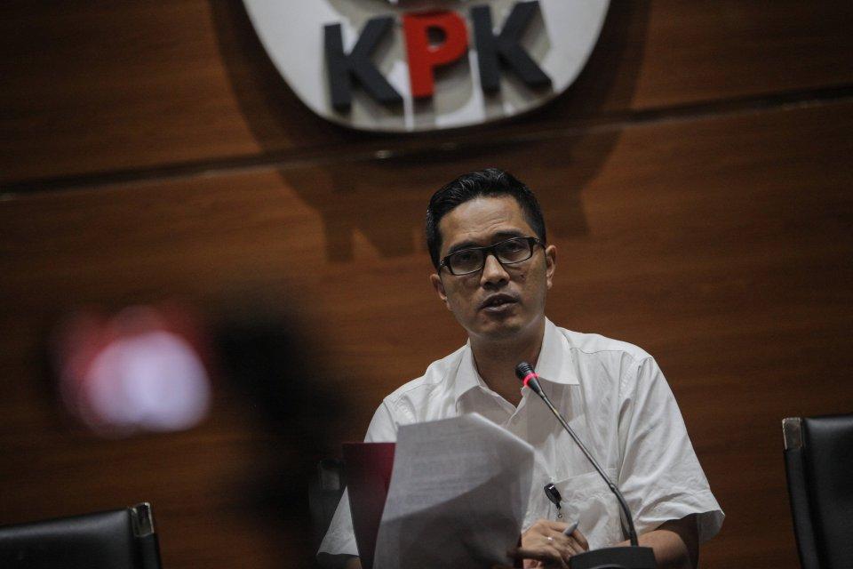 OTT di Kepri, KPK Sita Sing$ 6.000 hingga Periksa Gubernur Nurdin