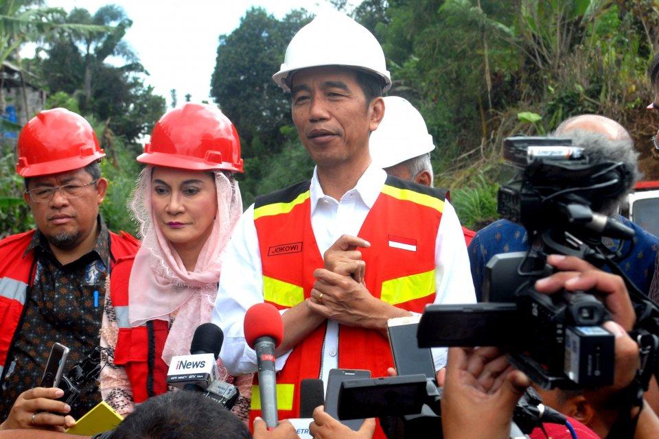 Joko Widodo pembangunan jalur ganda kereta api